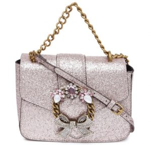 Five type of handbags every girl must have