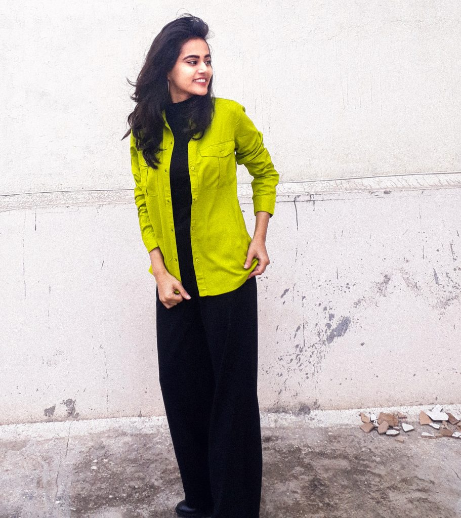 4 ways to style a statement colour shirt