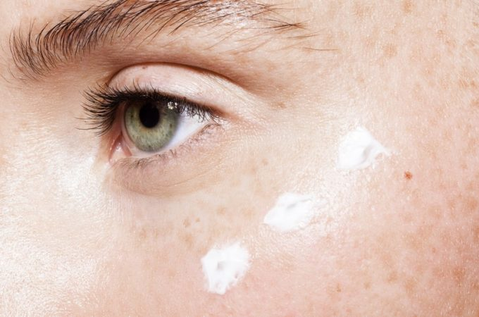 Flaky skin: The Reasons and Natural Remedies